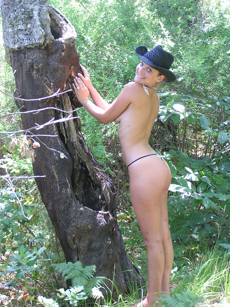 thong exhibitionist